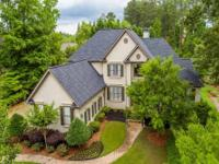 This elegantnexecutive home is located in desirable