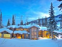 This ski-on/ski-off mountain contemporary dream home
