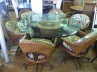 Attractive Tommy Bahama Wicker Table With 6 Chairs.