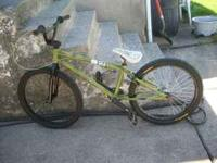 hi im selling a subrosa bmx cruiser with some