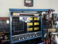 Sun Diagnostic TUNE-UP machine.    Model : SUN 1400