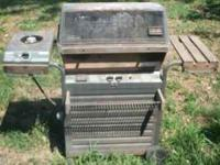working sunbeam bbq grill with extra burner for a pot