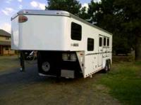 2011 Sundowner LQ horse trailer. Three horse slant.