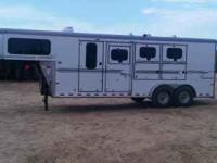 2005 3-horse slant load, large dressing room 6' short