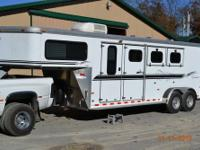 2001 Sundowner Horse Trailer, 3 Horse Slant Load, with
