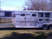 Just dropped price! 3 horse, living quarters, all