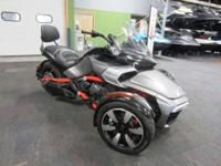 SUPER CLEAN 2015 CAN-AM SPYDER F3-S SM6 WITH ONLY 2,003