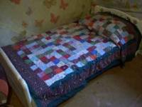 Very cute toddler bed in great condition. Comes with