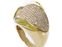 This ring from Superoro has a refreshing and elusive