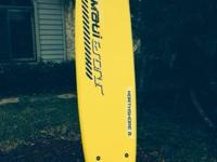 Maui & Sons 8' Surfboard. Perfect Condition. New in