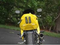 Suzuki 2005 SV650s. Superb condition, yellow, only 6K
