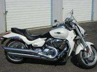 "2007 Suzuki M109R in ""as NEW"" condition. Adult owned!"
