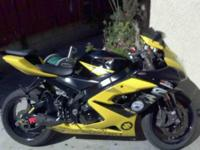 Selling my Suzuki gxsr 1000 this bike its awesome but I