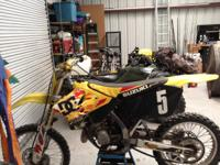Selling my 03 RM125 Suzuki pro built dirtbike. It is in