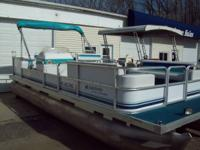 24' Sweetwater pontoon with FIFTY h.p. 1996 with all