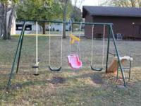 Metal Swing set. SEE pic. make me an offer. Hauling may