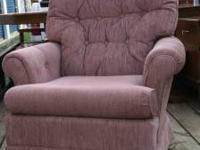Swivel Chair (Mauve ) color in good condition No Emails