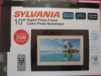 "Sylvania 2GB 10"" Digital Photo Frame LED - SDPF1089"