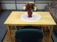 REALLY NICE butcher block table & 2 heavy cushioned