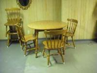 Wood table with 5 chairs and leafs to expand. Karla