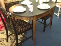 Small Oval Dining Area Table (with 2 leaves) and 4
