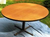 5 foot round Table  -- Make me an offer // //]]>