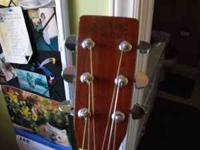 good older guitar all original with used hard shell
