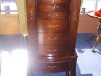 Beautiful like new jewelry case  39' tall when closed