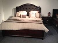 MARKET EXAMPLE COMPLETE KING SIZE BED AREA SET. INITIAL