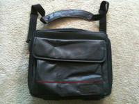 For sale is a Targus Double-Capacity Laptop Case. This