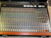 Tascam M-320 20CH 4 Bus Mixer, In Good condition. A