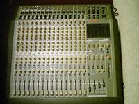 Tascam M 1516 mixing board VGC ( I can not find the