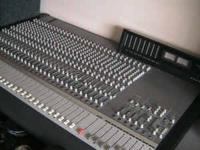 Tascam M3500 Mixer in great condition. 32 mic/line