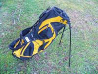 Taylormade Ultralight Stand Golf Bag. All zippers and