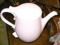 VERY cute VINTAGE tea/coffee pot. $25.00 cash, as is,