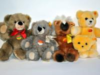A collector's delight: set of 4 beautiful Steiff teddy