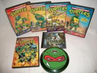 This Ninja Turtles lot consists of:. Ninja Turtles