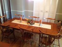 "Beautiful & versatile maple dining set w/ hutch ""Young"