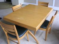 MID CENTURY MODERN TEMPLE STUART TABLE, 4- CHAIRS,  AND