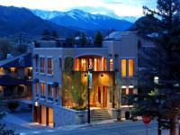 Mountain-chic penthouse in the heart of Downtown