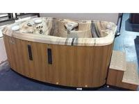 The Spirit Hot Tub BRAND NEW/FLOOR MODEL MUST GO AND IT