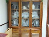 Thomasville China Cabinet 2 Pieces. NO SHIPPING LOCAL