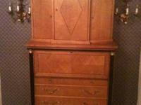 Stunning 2-piece desk, excellent condition;