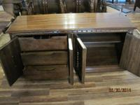 Gorgeous set in outstanding condition. Table is