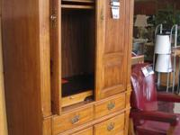 This Thomasville Furniture Co. TELEVISION cabinet would