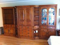 Selling this excellent condition Thomasville Wall Unit.