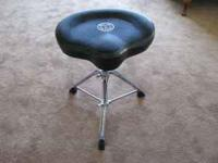 Mint condition Roc-N-Soc tractor type seat with a Pearl