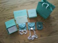 This set includes necklace, bracelet, ring, etc. All