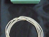 PEARL NECKLADE FRESHWATHER DOUBLE MEASURES ARE 36