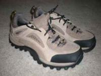 Womens Timberland safety shoe in 8.5Medium. Very